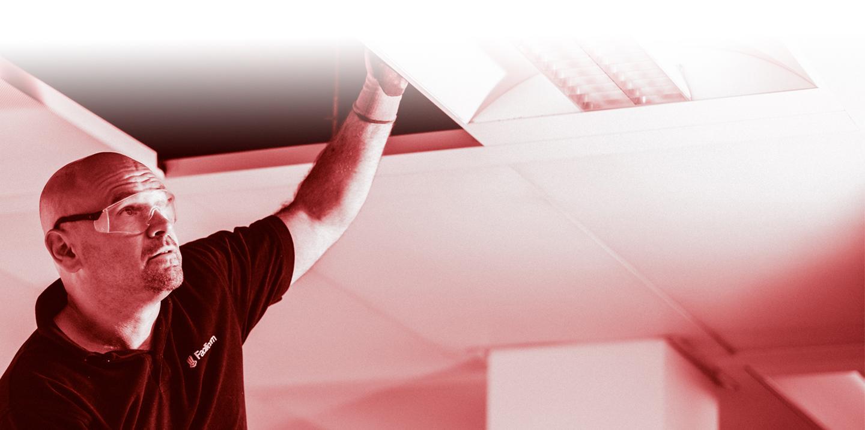 Facilicom, One Building Maintenance, OBM, Gebouwenonderhoud, building maintenance, klusjes, hvac, automatische deuren en poorten, elektriciteitswerken, datawerken, databekabeling, schilderwerken, herstellingen, groenonderhoud, interventies, gebouwen, organisatie, digitalisering, installatie, domotica, relighting, energiebesparend, interventieteam, verwarming, ventilatie, airconditioning, ecologisch, duurzaam, warmtepomp